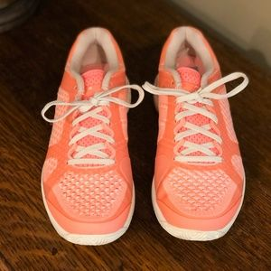*NEW! Adidas size 7.5 Stella McCartney Sneakers